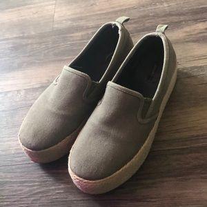 Forever 21 flatform platform slip on shoes
